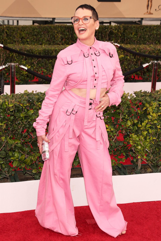 Lori Petty in red carpet in SAG Awards 2016