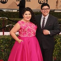 Raini Rodríguez y Rico Rodríguez in red carpet of SAG Awards 2016