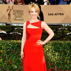 Melissa Rauch in red carpet of SAG Awards 2016