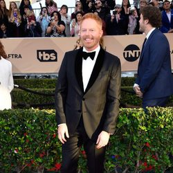 Jesse Tyler Ferguson in red carpet of SAG Awards 2016