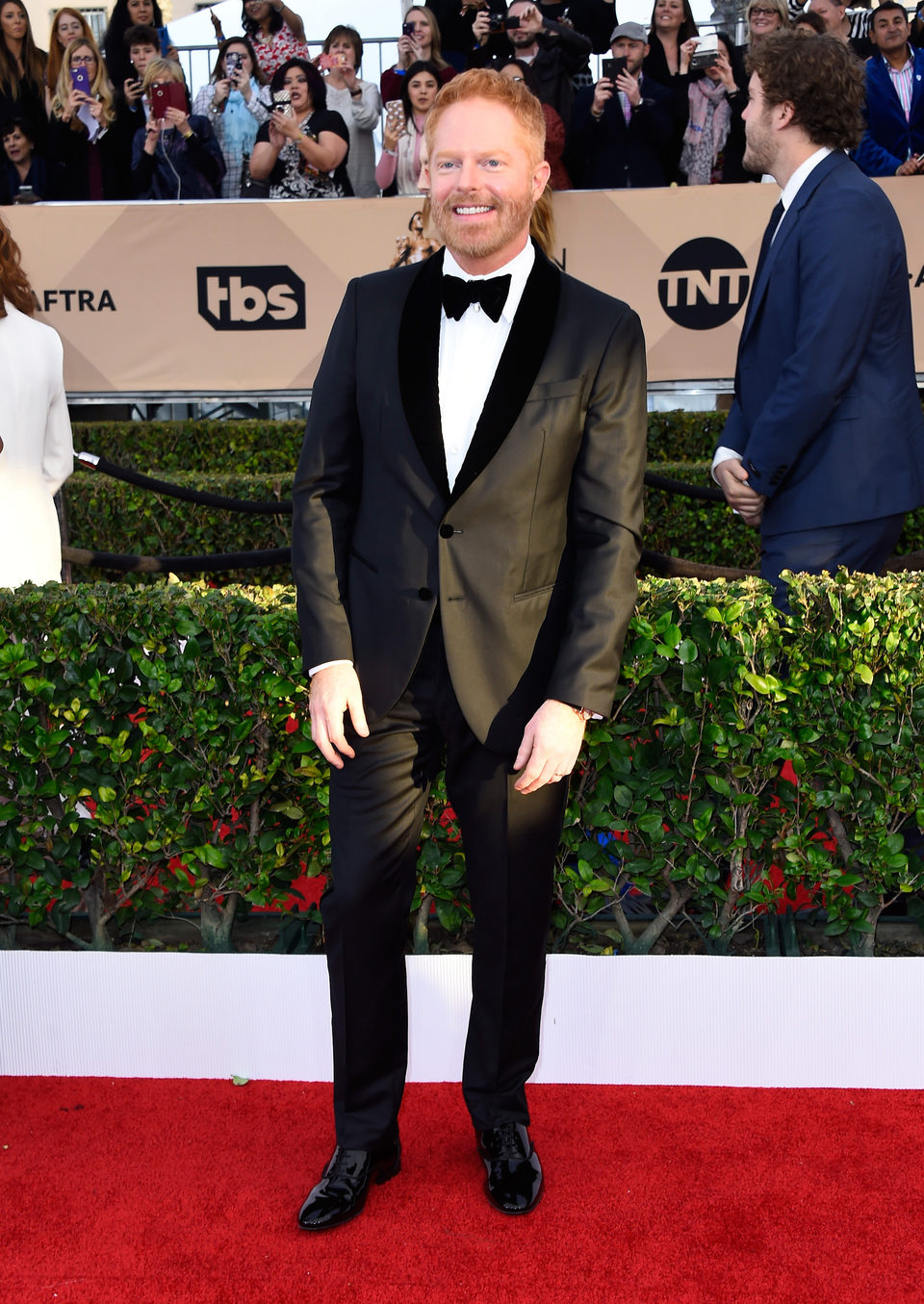 Jesse Tyler Ferguson in red carpet of SAG Awards 2016