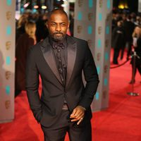 Idris Elba at the 2016 BAFTA Awards' red carpet