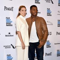 Elizabeth Olsen and John Boyega at 2016 Independent Spirit Awards' red carpet