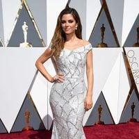 Maria Menounos at the Oscars 2016 red carpet