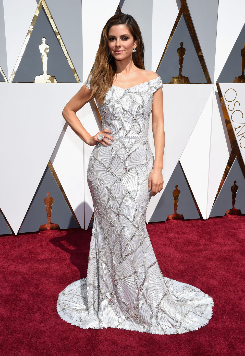 Maria Menounos at the Oscars 2016 red carpet