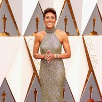Robin Roberts at the Oscars 2016 red carpet