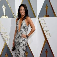 Diane Mizota at the Oscars 2016 red carpet