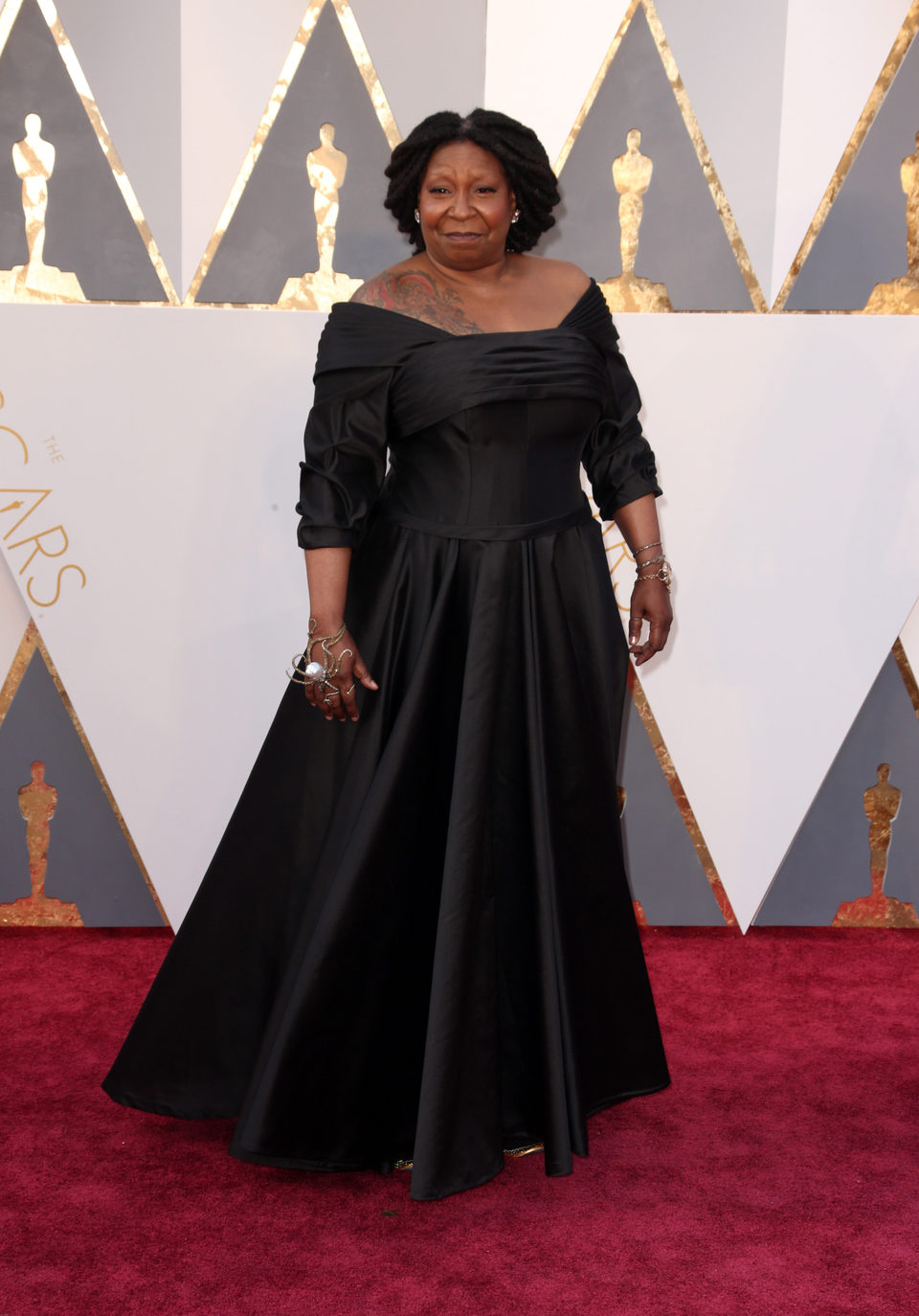 Whoopi Goldberg at the Oscars 2016 red carpet