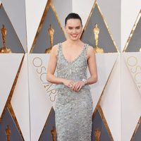 Daisy Ridley at the Oscars 2016 red carpet