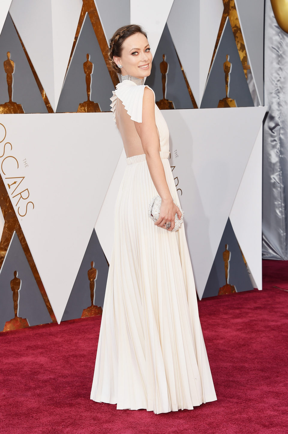 Olivia Wilde at the Oscars 2016 red carpet