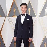 Finn Wittrock at the Oscars 2016 red carpet