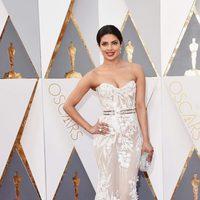Priyanka Chopra at the Oscars 2016 red carpet