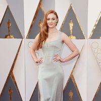 Sophie Turner at the Oscars 2016 red carpet