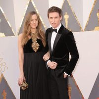 Eddie and Hannah Redmayne at the Oscars 2016 red carpet
