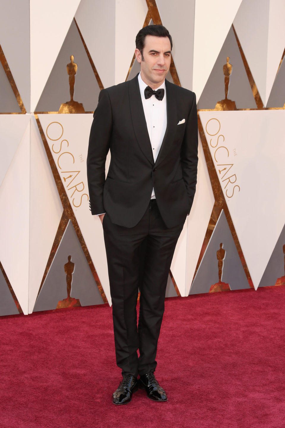Sacha Baron Cohen at the Oscars 2016 red carpet