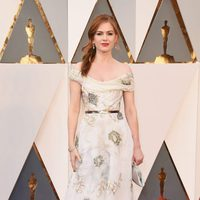 Isla Fisher at the Oscars 2016 red carpet