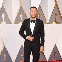 John Legend at the Oscars 2016 red carpet
