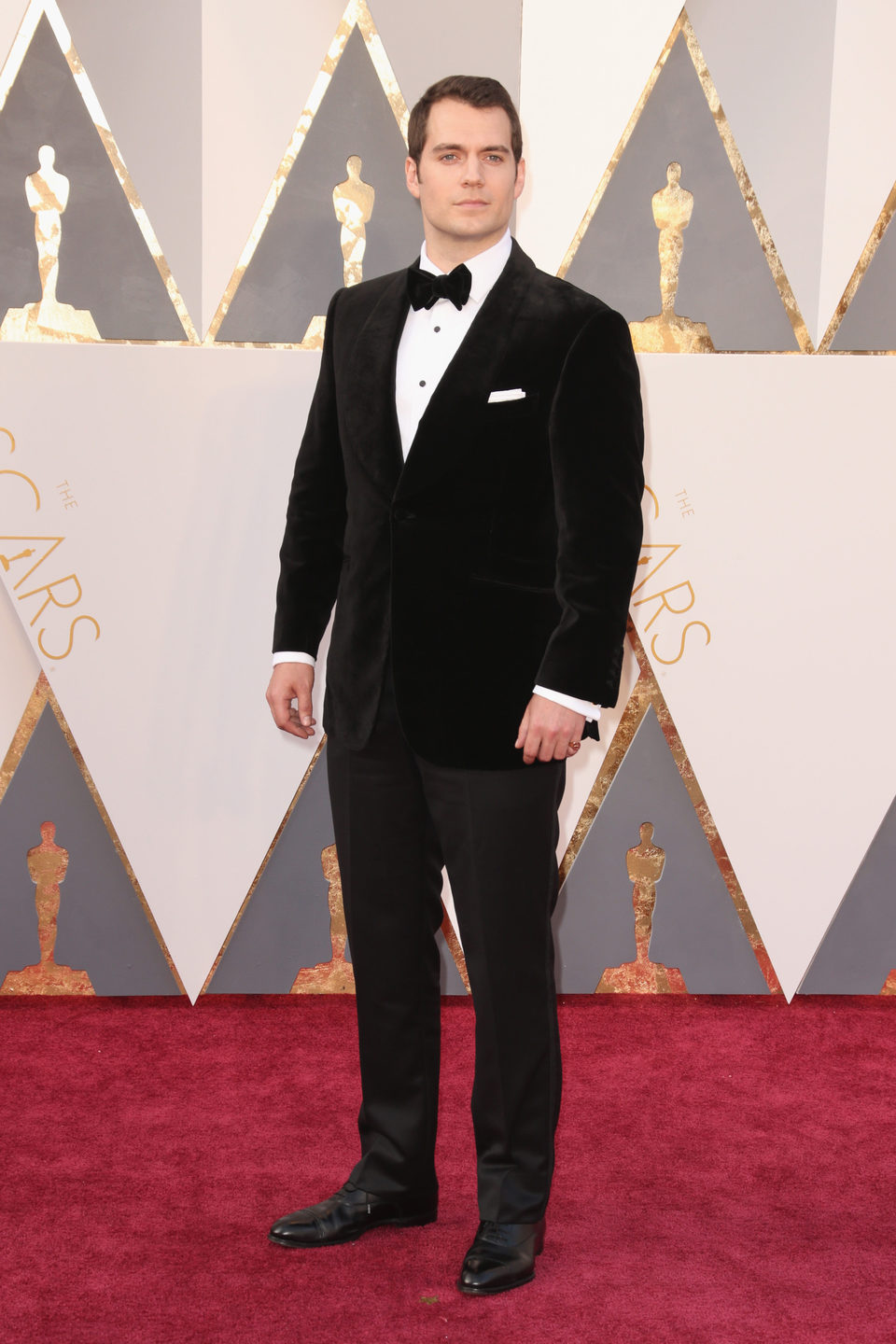 Henry Cavill at the Oscars 2016 red carpet