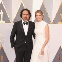 Alejandro G. Iñárritu at the Oscars 2016 red carpet