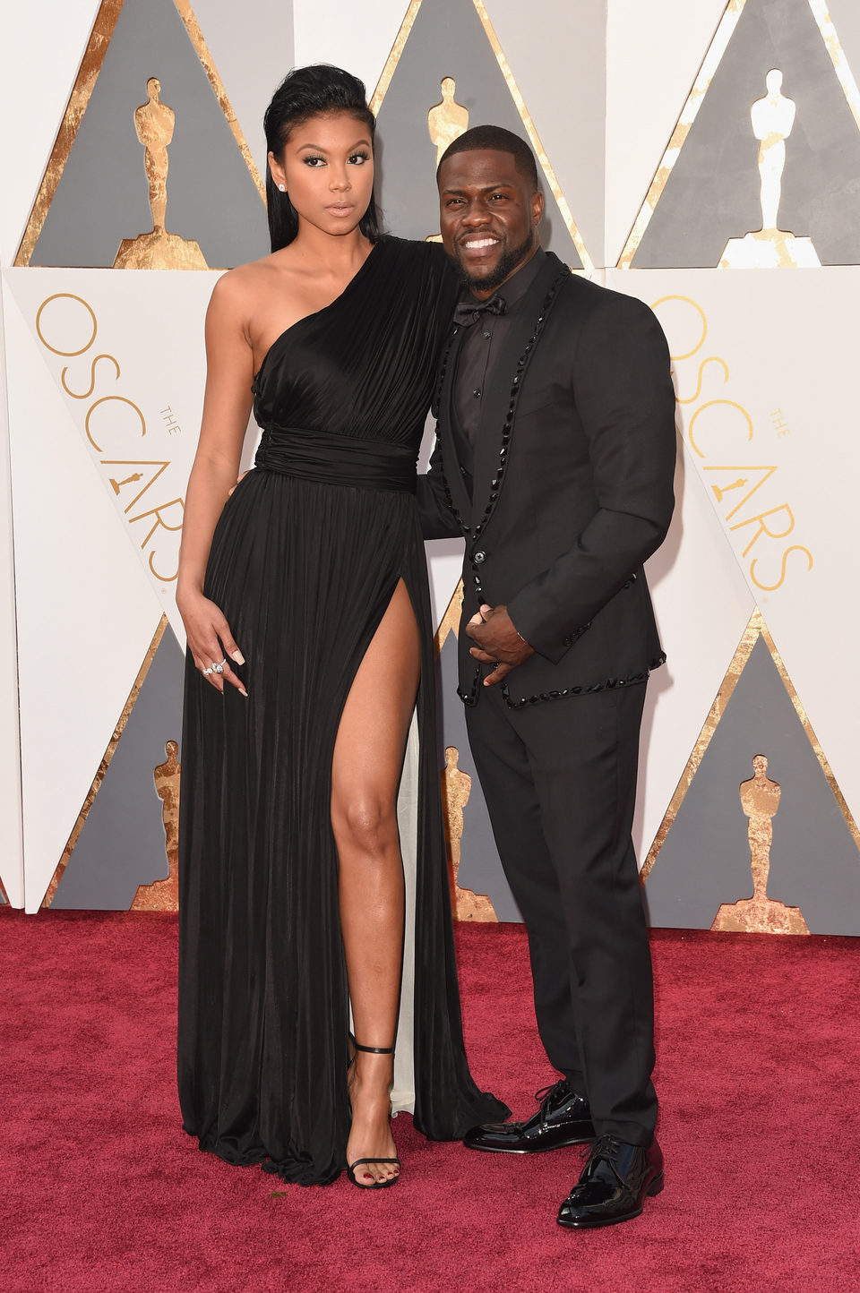 Kevin Hart at the Oscars 2016 red carpet
