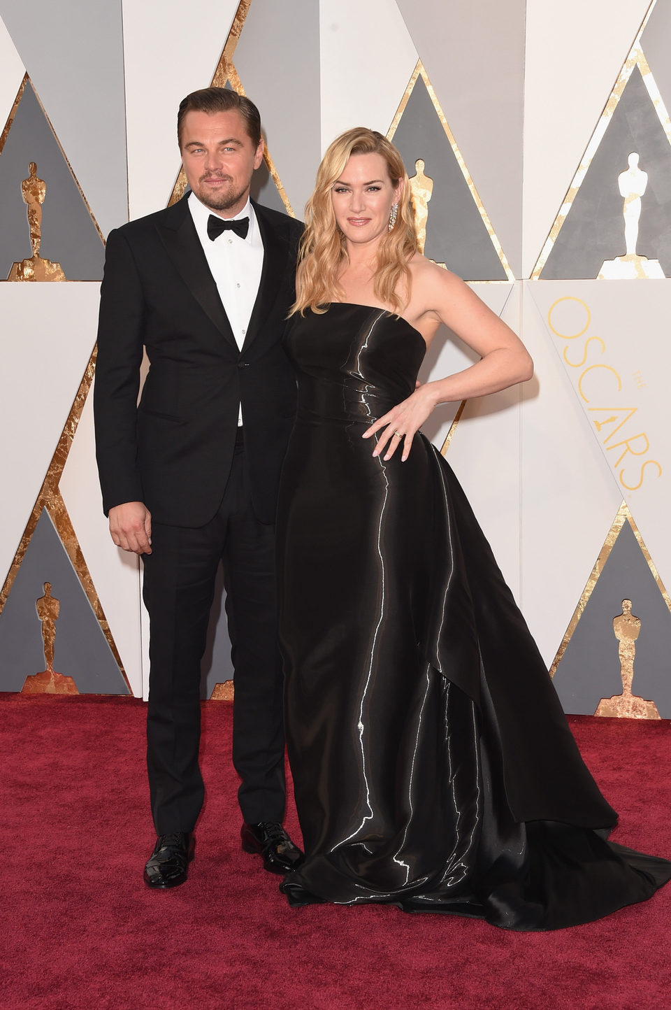 Leonardo DiCaprio and Kate Winslet at the Oscars 2016 red carpet