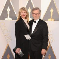 Steven Spielberg at the Oscars 2016 red carpet