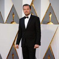 Leonardo DiCaprio at the Oscars 2016 red carpet