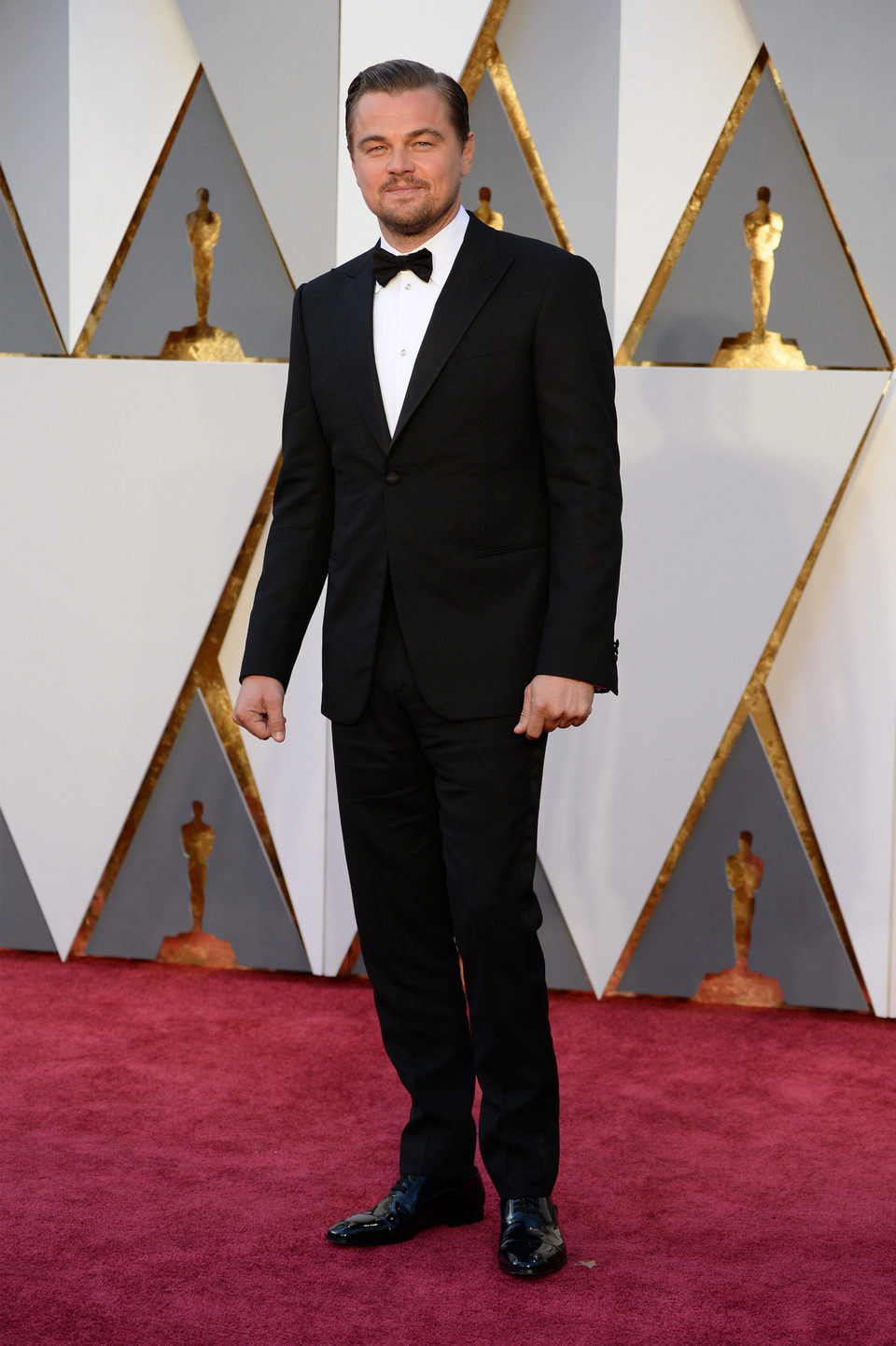 Leonardo DiCaprio at the Oscars 2016 red carpet
