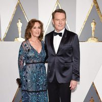 Robin Dearden and Bryan Cranston at the Oscars 2016 red carpet