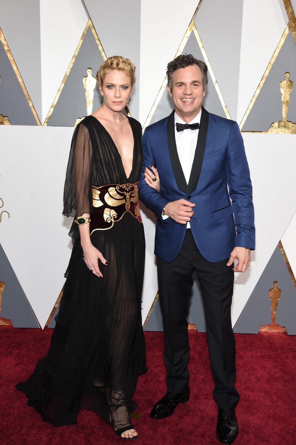 Mark Ruffalo and Sunrise Coigney at the Oscars 2016 red carpet