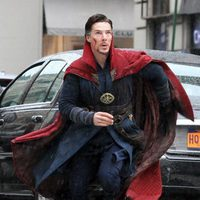 Benedict Cumberbatch looking up in 'Doctor Strange' shooting