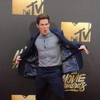 Adam DeVine at the 2016 MTV Movie Awards' red carpet