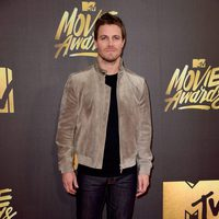 Stephen Amell at the 2016 MTV Movie Awards' red carpet