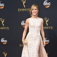 Felicity Huffman at the Emmys 2016 red carpet