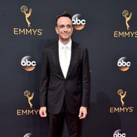 Hank Azaria at the Emmys 2016 red carpet