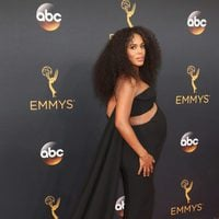 Kerry Washington at the Emmys 2016 red carpet