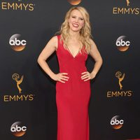 Kate McKinnon at the Emmys 2016 red carpet
