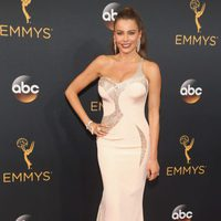 Sofia Vergara at Emmy 2016 red carpet