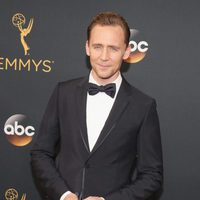 Tom Hiddleston at Emmy 2016 red carpet