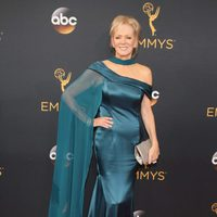 Jean Smart at Emmys 2016 red carpet