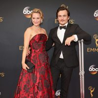 Rupert Friend and Aimee Mullins at Emmys 2016 red carpet