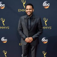 Anthony Anderson at Emmy 2016 red carpet