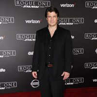 Nathan Fillion, the protagonist of 'Castle', on the red carpet of 'Rogue One'