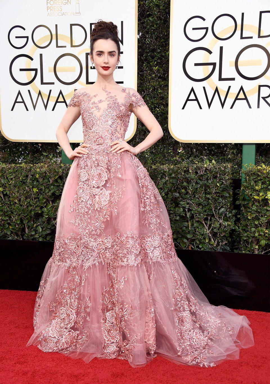 Lily Colins at Golden Globes 2017 red carpet