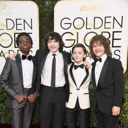Stranger Things kids at the 2017 Golden Globes red carpet