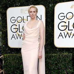 Gwendoline Christie at Golden Globes 2017 red carpet