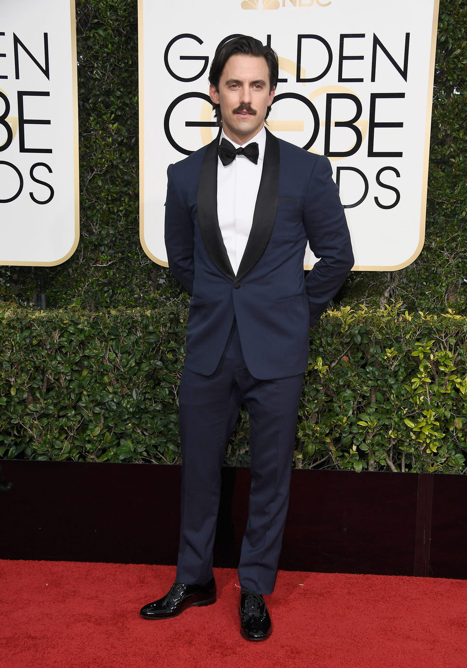 Milo Ventimiglia at the 2017 Golden Globes red carpet