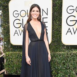Mandy Moore at Golden Globes 2017 red carpet