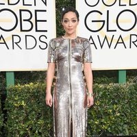 Ruth Negga at Golden Globes 2017 red carpet