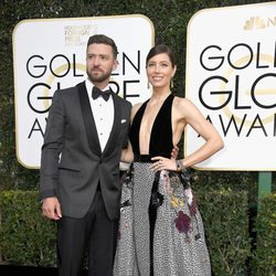 Justin Timberlake, Jessica Biel at the 2017 Golden Globes red carpet